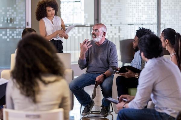 Foto Dialog in einer Gesprächsrunde